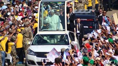 """El papa advirtió contra la violencia organizada y el """"sicariato"""" en Trujillo"""
