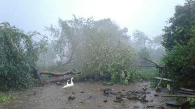 Heridos y casas destechadas dejó temporal en Ybycuí
