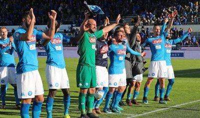Napoli supera el examen y afianza el liderato en Italia