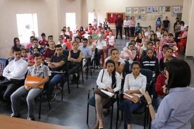 SNJ duplica cantidad de becas para jóvenes de Concepción