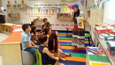 """""""Juga con cuentos"""", una iniciación a la lectura"""