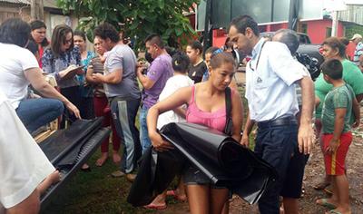 Asisten a familias afectadas por inundación en CDE