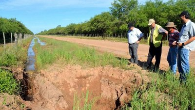 Chaco: Colocación de tubos de acueducto va por su sexto año