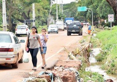 Pobladores de Ñemby exigen obras seguras