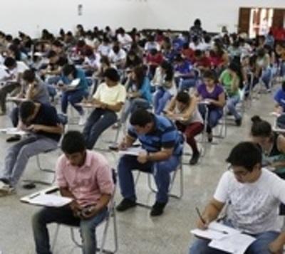Comuna llama a estudiantes sobresalientes para ser adjudicados a becas
