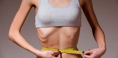 """""""Juego"""" por WhatsApp promovería la anorexia y bulimia"""
