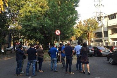 Potente sismo sacude a Ciudad de México