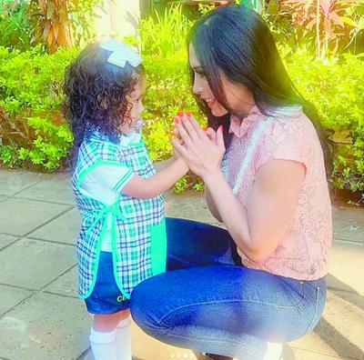 Rossana Barrios emocionada al separarse de su beba