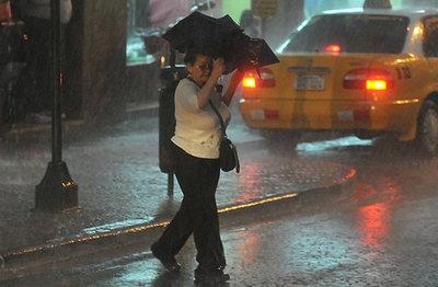 Pronostican feriado con calor extremo y precipitaciones