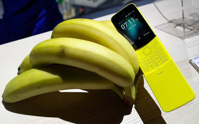 """Nokia 8110, el regreso del """"banana phone"""""""