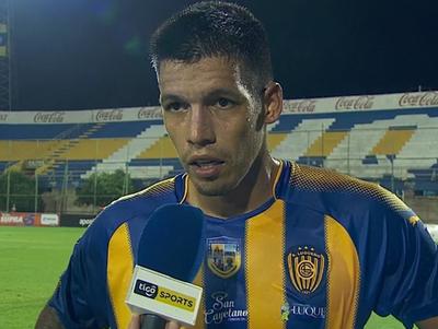 """Julio Dos Santos: """"contento con el equipo"""""""