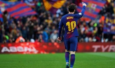 Messi, con un gol de tiro libre, acerca la Liga al Barça