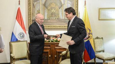 Nuevo embajador de Ecuador pide mantener política comercial con Paraguay