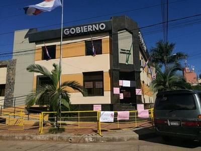 Crisis en Cordillera: gobernador denuncia que lo quieren sacar del cargo