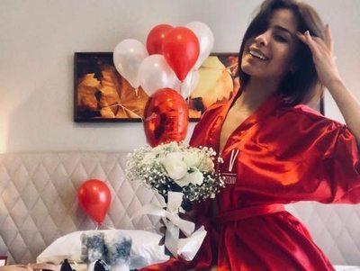 Chicas superpoderosas: Las famosas festejaron su día entre flores