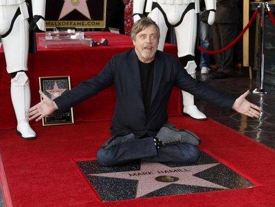 Mark Hamill desvela su estrella en el Paseo de la Fama de Hollywood