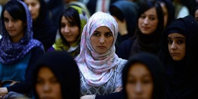 Asesinatos de mujeres suben un 18% en Afganistán
