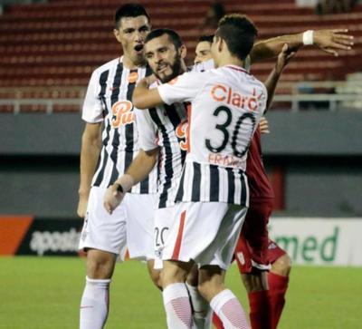 En Tucumán, Libertad inicia su camino en la Libertadores
