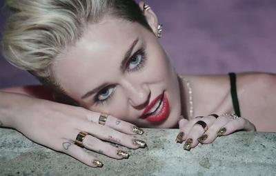 Miley Cyrus enfrenta demanda millonaria por presunto plagio