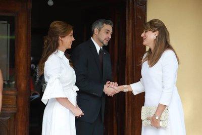 Candidato colorado, con la princesa de Jordania