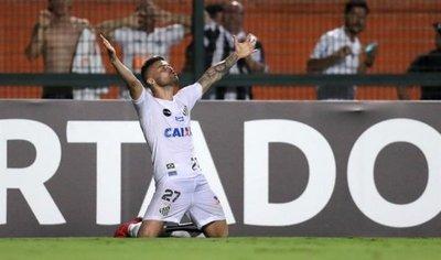 Santos vence al Nacional y trepa a la segunda posición
