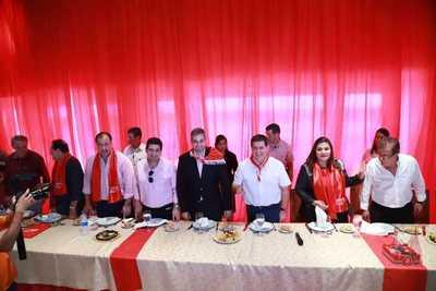 Marito se reúne con intendentes y candidatos a gobernadores