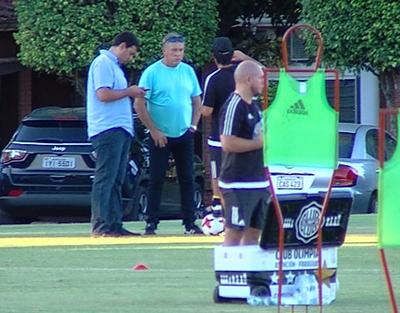 Nery Pumpido, presente en la Villa Olimpia