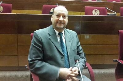 """Senador no considera que hayan violado la Constitución con """"autoblindaje"""""""
