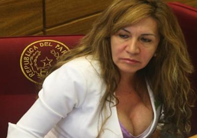 """Gays piden sanción para senadora, ella se defiende: """"Respeten lo que pienso"""""""