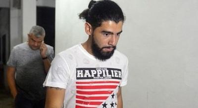 Olimpia intima a Rodrigo Burgos para que se presente a trabajar