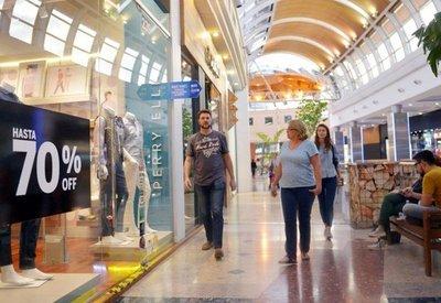 Tiendas de shoppings abrirán mañana a fin de cubrir demanda de turistas