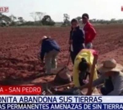 Familia menonita huye de sus tierras ante hostigamiento de sintierras