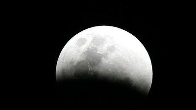 Colonias espaciales en la Luna son diseñadas para 2030