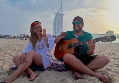 Música paraguaya en playa de Dubai