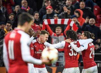 El Arsenal se mete con apuros en semifinales