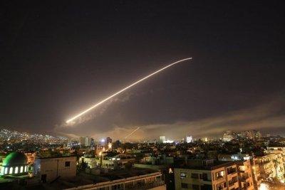 EEUU ataca a Siria en respuesta al uso de armas químicas