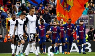 El Barcelona se aferra a la Liga como premio consuelo