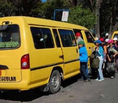 Sexagenario llevaba a niños a la escuela y los manoseaba por el camino