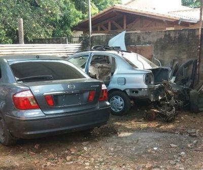 Rescatan vehículos hurtados de aguantadero