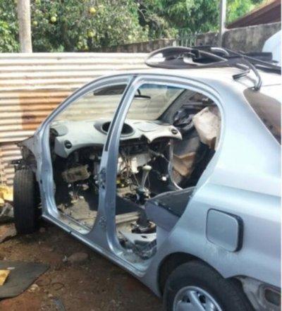 Dos aprehendidos con vehículos robados en Luque