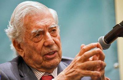Vargas Llosa: No quiero una sociedad en que las pantallas derroten los libros
