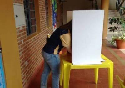Veda electoral incluye redes sociales y hasta calcomanías en los autos
