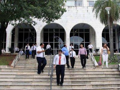 Funcionarios judiciales inician paro este lunes