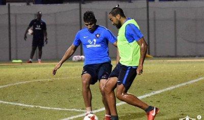 Álvaro Pereira vuelve a jugar después de 405 días