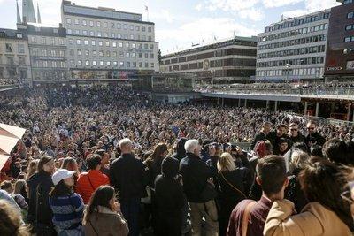 Homenaje de despedida a Avicii reunió a miles de personas