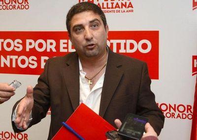 Apoderado de la ANR acusa a la oposición de querer embarrar la cancha