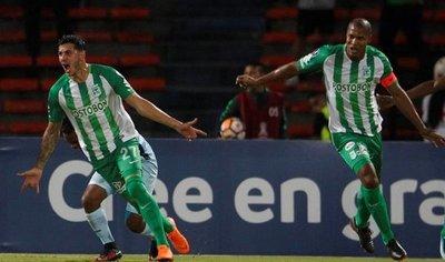 Atlético Nacional se acerca a octavos de final con goleada sobre Bolívar