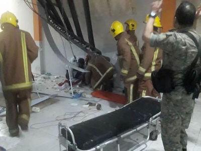 Derrumbe de techo en evento deja heridos en Concepción