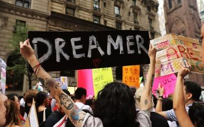"""EE.UU: 7 estados demandaron al Gobierno para que ponga fin al programa """"Dreamers"""""""