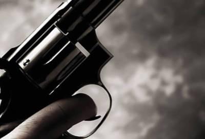 Detienen a pareja de policías realizaba disparos en una estación de servicio